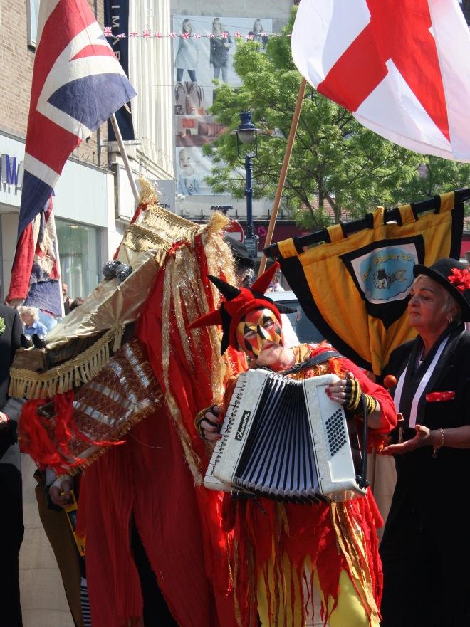 St_George's_Day_in_Gravesend,_Kent_b.jpg